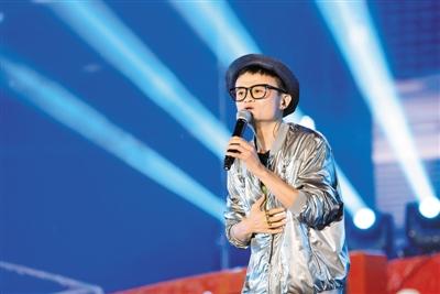 《时尚先生》主编李翔:围观马云辞任CEO的感受